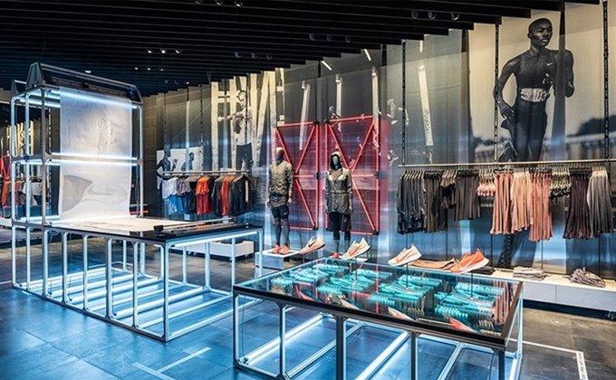 tienda oficial mas bajo precio entrega gratis Nike Town - The Dubai Mall | Mackwell